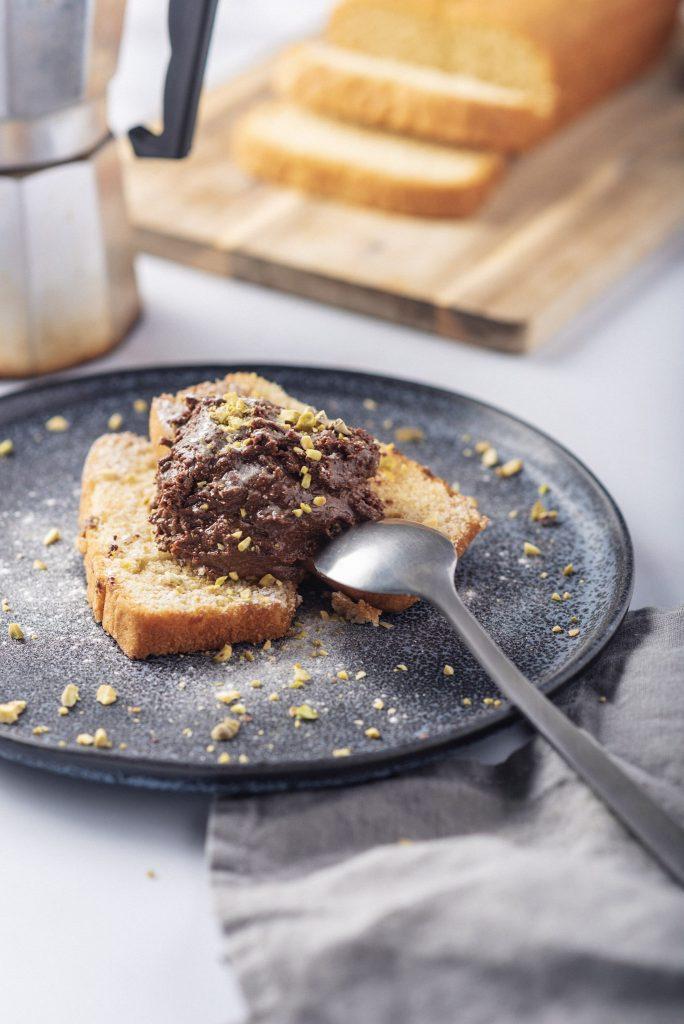 Crema Automovil with pound cake